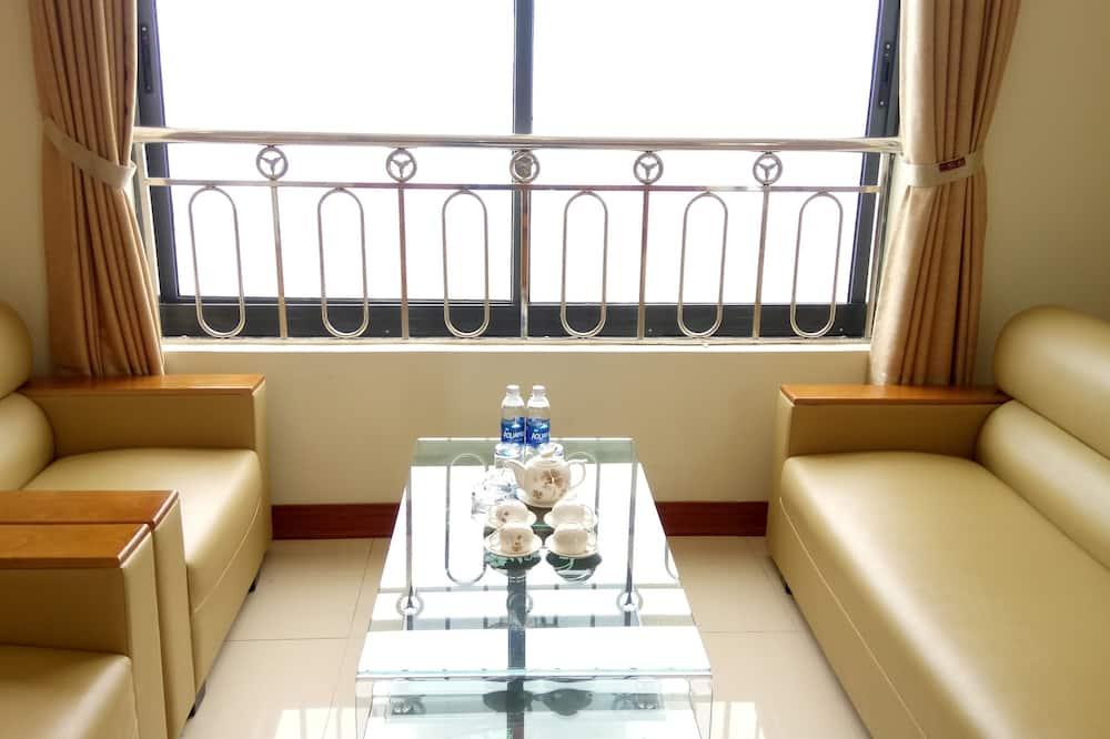 Suite Twin - Living Room