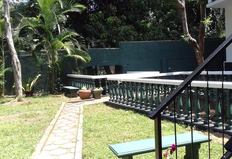 The Lotus Blue - Hostel, Kandy, Property Grounds