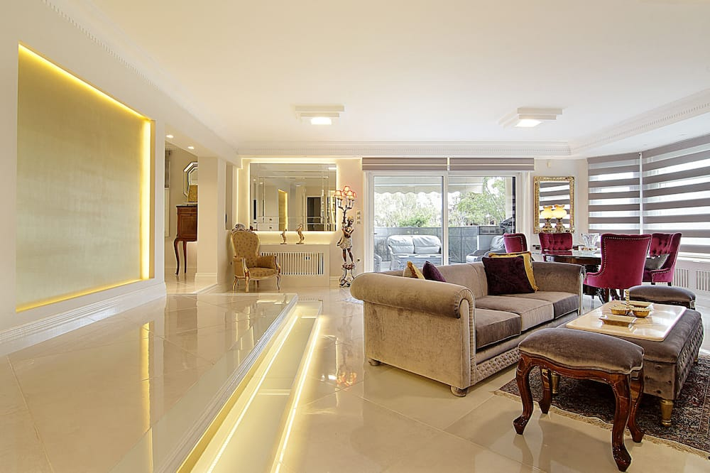 Prabangaus stiliaus apartamentai - Svetainės zona