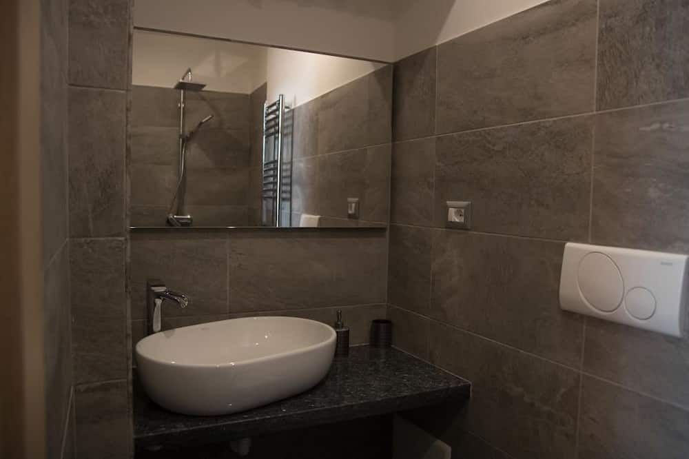 Comfort Double Room, Private Bathroom (bear) - Bathroom