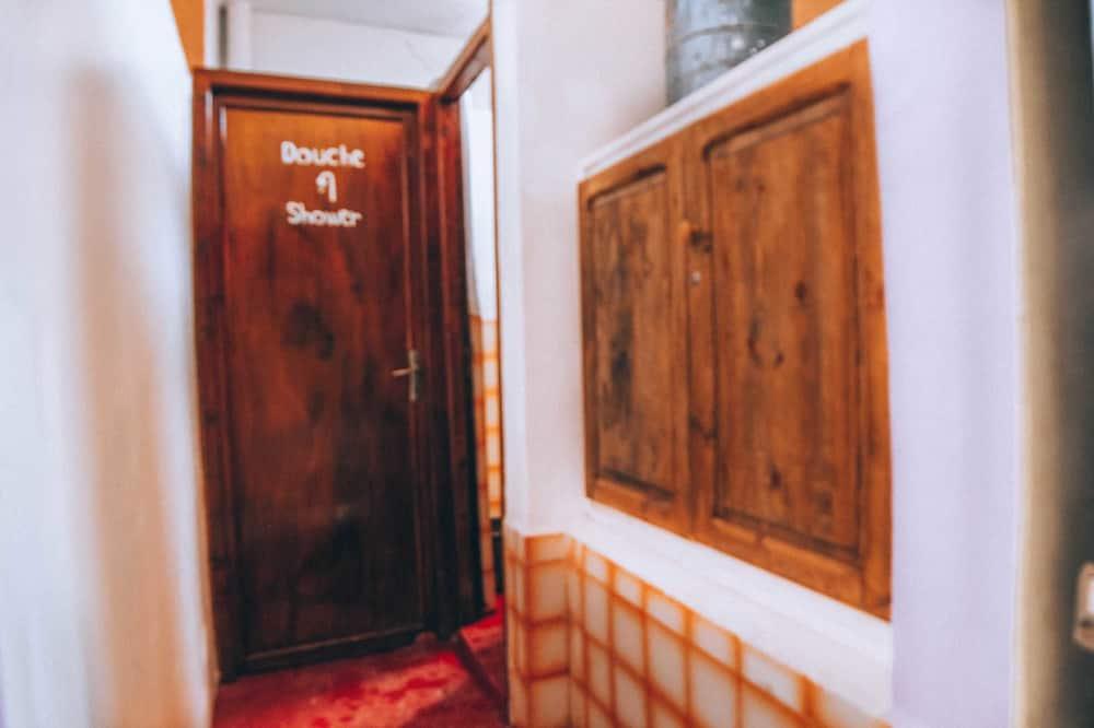 Загальне спальне приміщення, Змішаний дортуар, з видом на гори - Номер