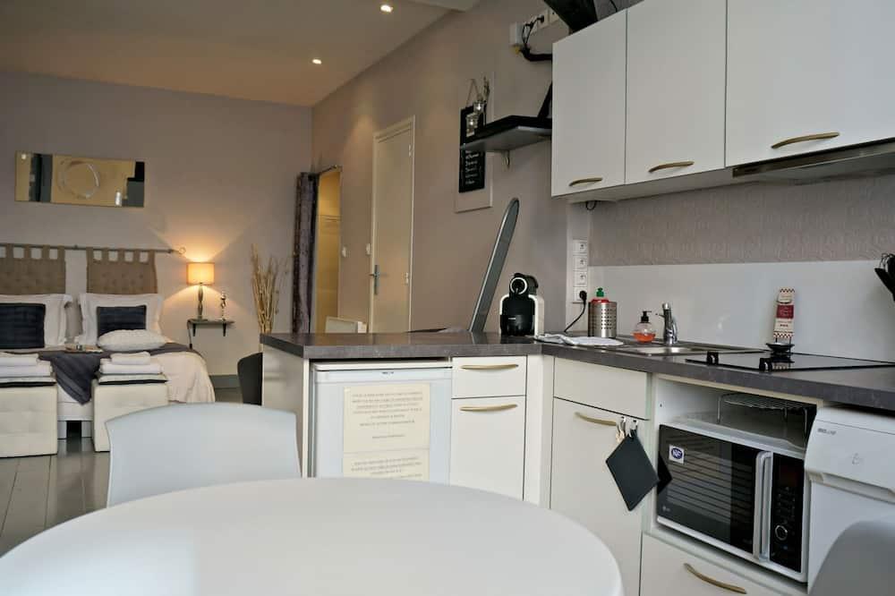 Studio, Ground Floor - In-Room Dining