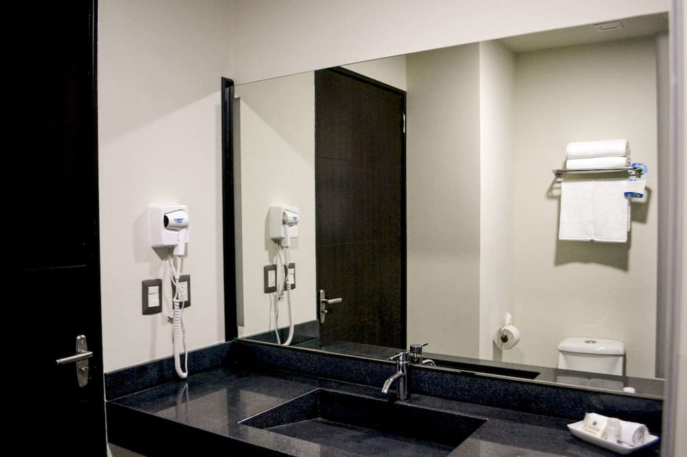 Standard 2 Doubles Non Smoking - バスルーム