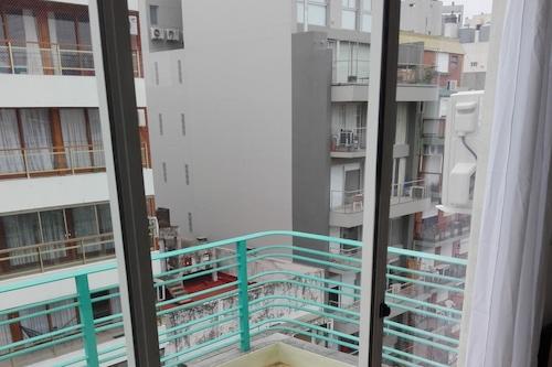 魯斯公寓酒店/