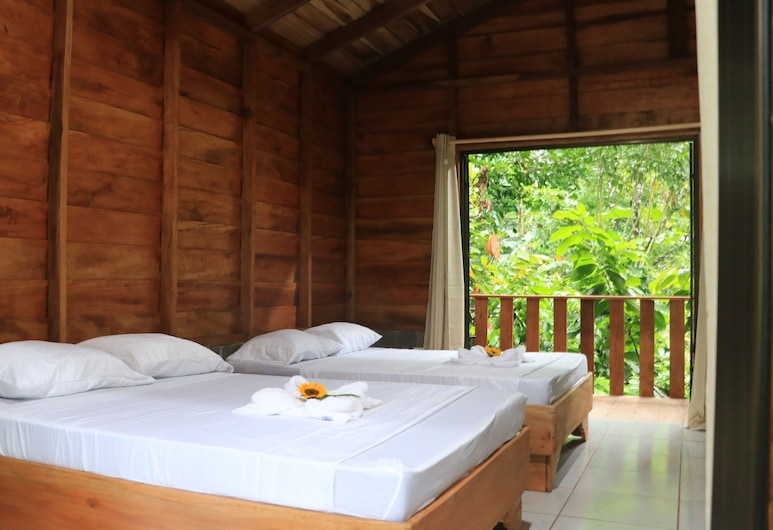 Arenal Cacao House, La Fortuna, Family Cabin, 2 Queen Beds, Accessible, Guest Room