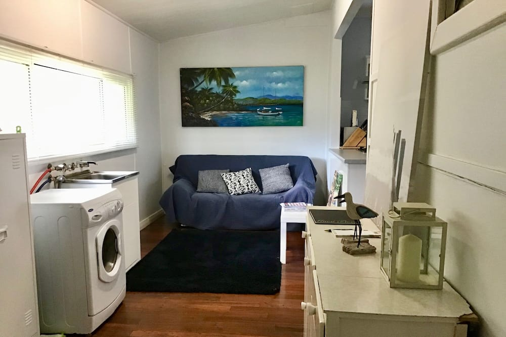 House, 3 Bedrooms - Laundry