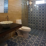 Standard Room with Shared Bathroom - Badkamer