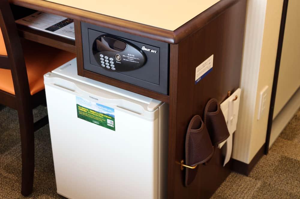 シングルルーム 喫煙可 - 小型冷蔵庫