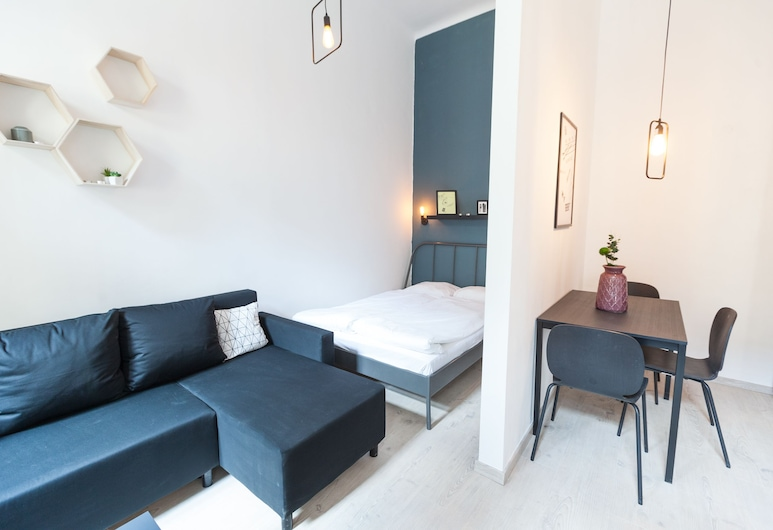 Modern Ernesto II, Budapest, City Townhome, 2 Bedrooms, In-Room Dining