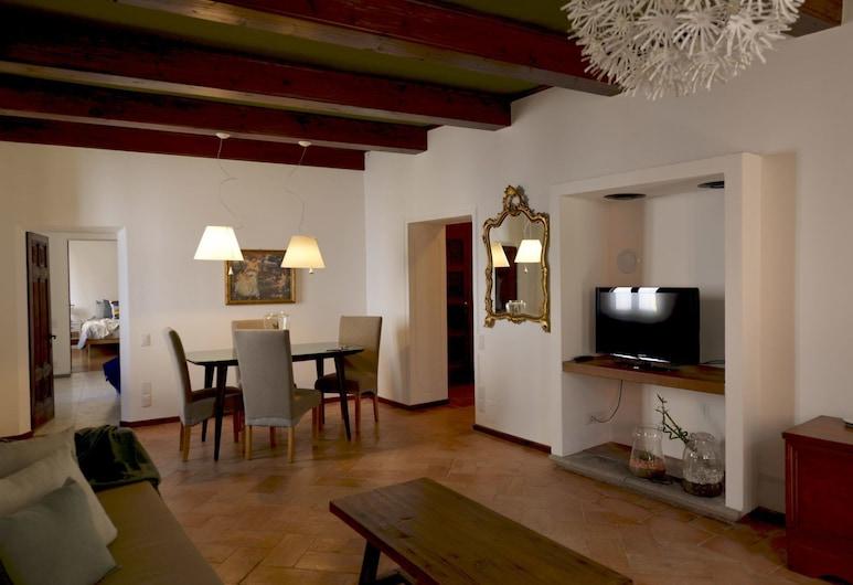 Casa Quattrostrade - WelcHome, Cannobio, Apartment, 2 Bedrooms, Living Area