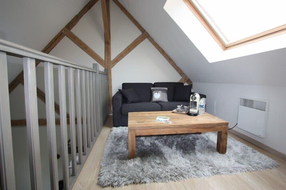 Dvojlôžková izba typu Superior (Mezzanine and sofabed) - Obývačka