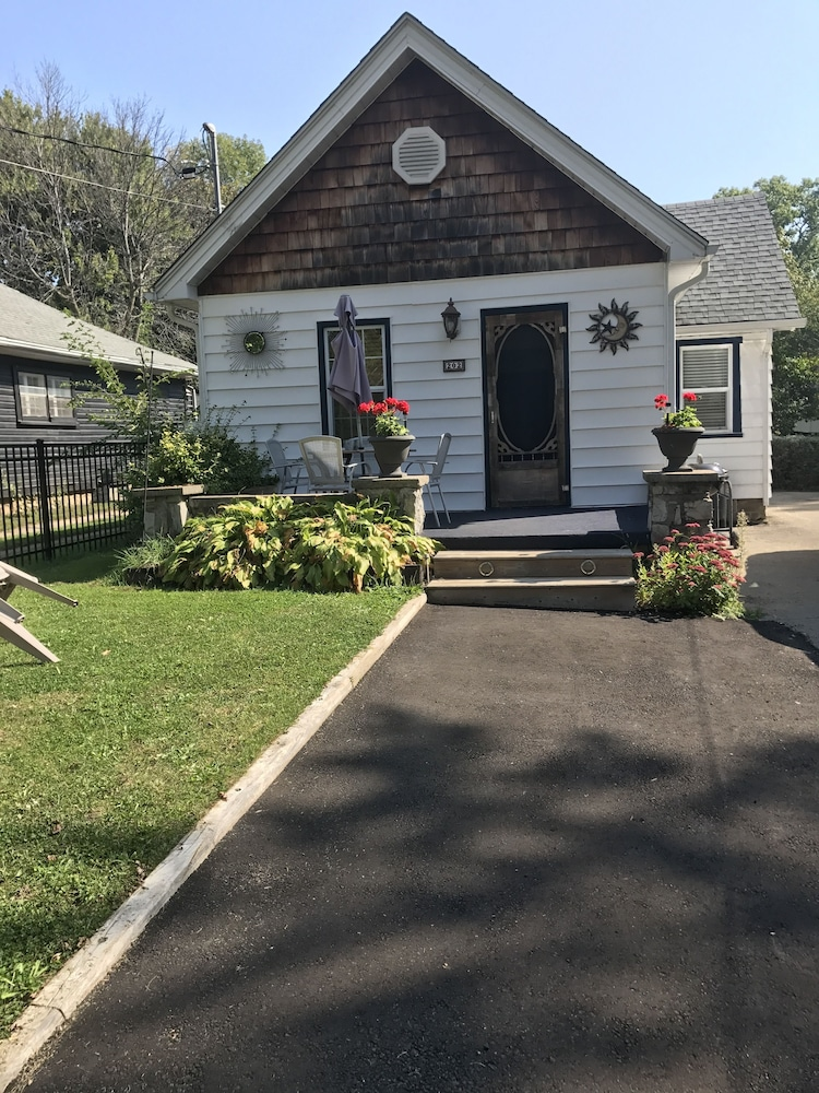Crystal Beach Cottage And Vacations