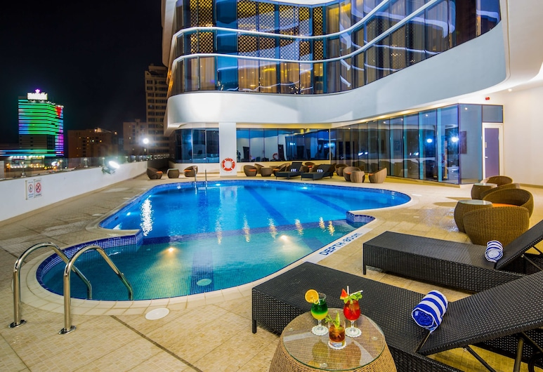 The Arch Hotel, Manama, Outdoor Pool