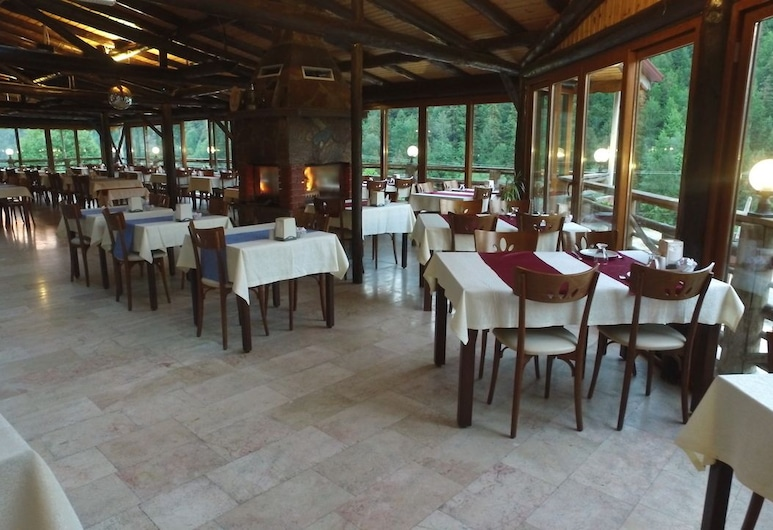 Abant Kartal Yuvasi Hotel, Bolu, Terasz/udvar