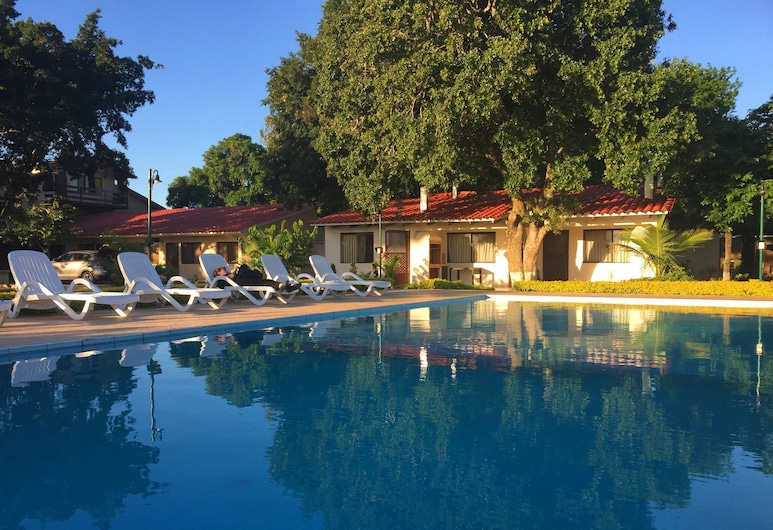 Los Jazmines Hotel Resort, Warnes, Außenpool