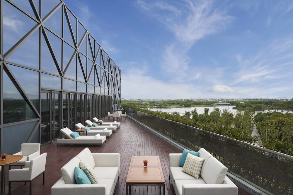 Club Room, 2 Twin Beds - Terrace/Patio