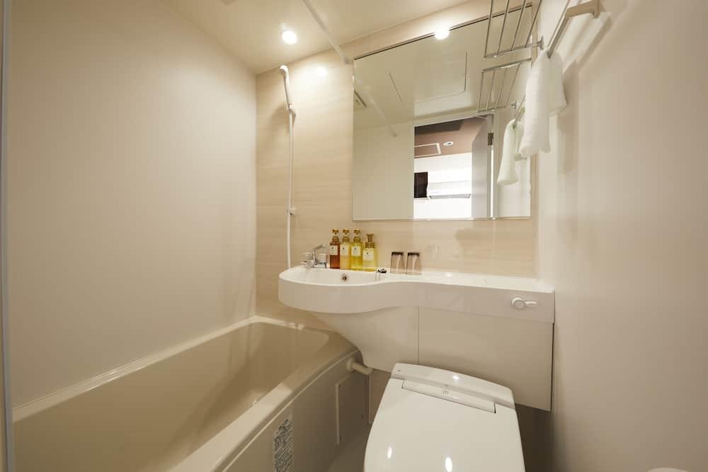 Zweibettzimmer - Dusche im Bad