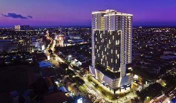 Picture of Oakwood Hotel & Residence Surabaya in Surabaya