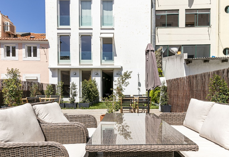 Guesthouse Suites Terrace Principe Real, Lissabon, Verönd/bakgarður