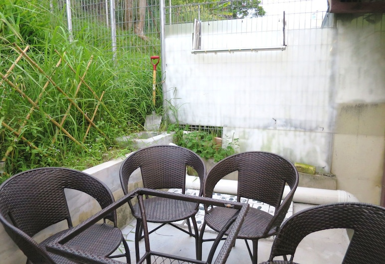 5 Mins to Midvalley 11 pax Amazing ID Theme House, Kuala Lumpur, House, 4 Bedrooms, Terrace/Patio