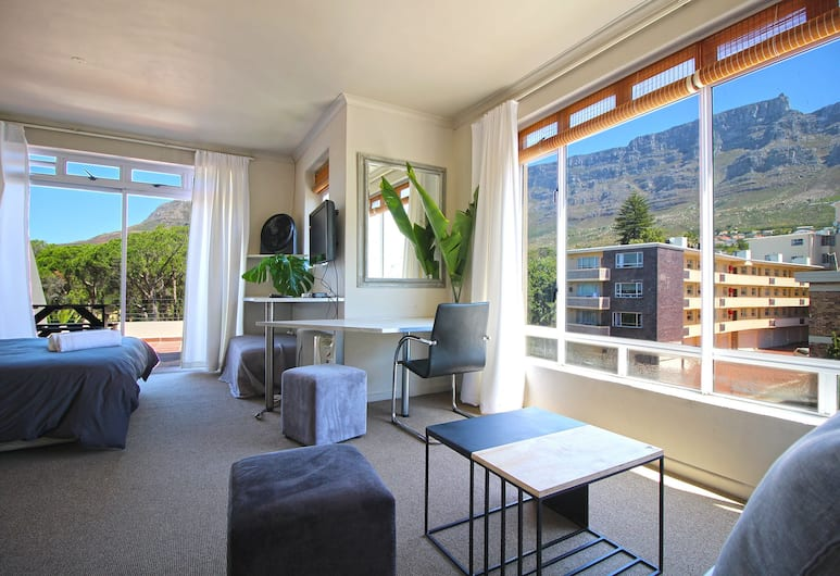 Fairmont And Albany P1, Cape Town, Comfort Studio, 1 Bedroom, Balcony, Mountain View, Room