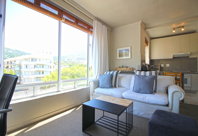 Fairmont And Albany P1, Cape Town, Comfort Studio, 1 Bedroom, Balcony, Mountain View, Living Area