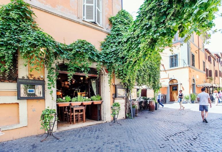 Lungaretta 3 - WR Apartments, Róma, Külső rész