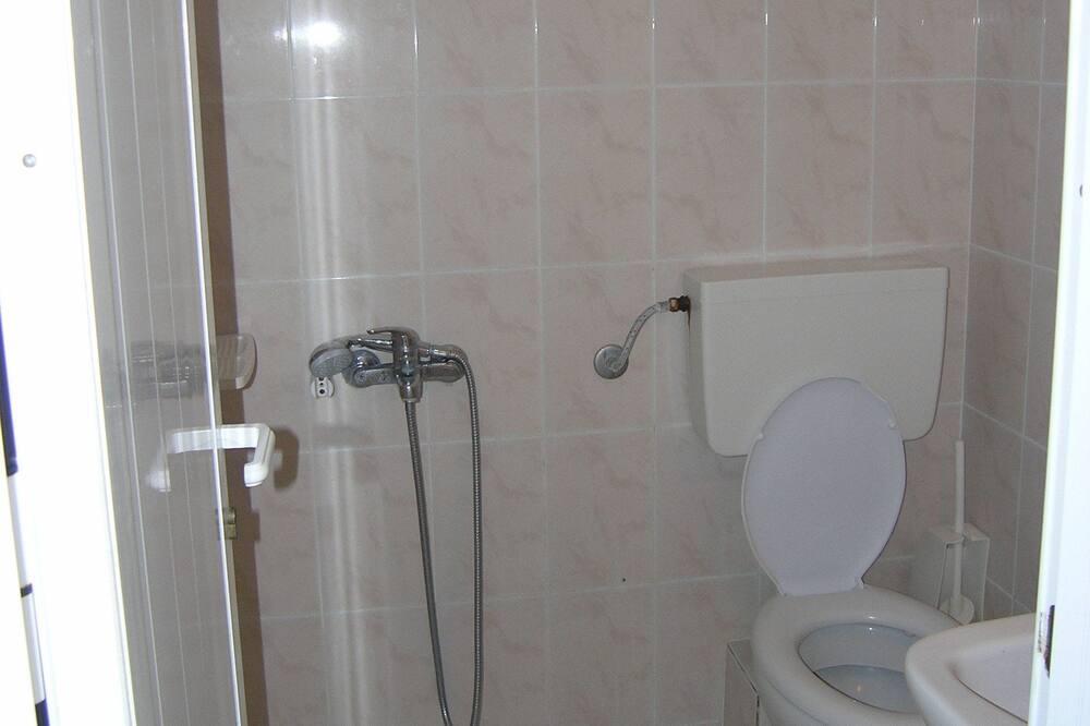 Апартаменты, балкон - Ванная комната