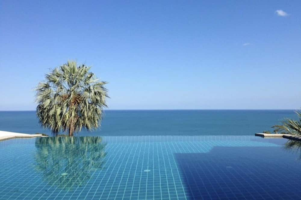 4-Bedroom Villa with Private Pool - Terrace/Patio