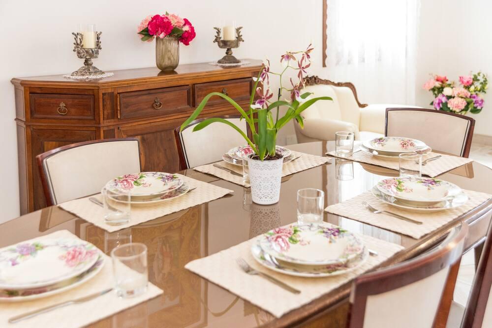 Departamento, 3 habitaciones - Servicio de comidas en la habitación