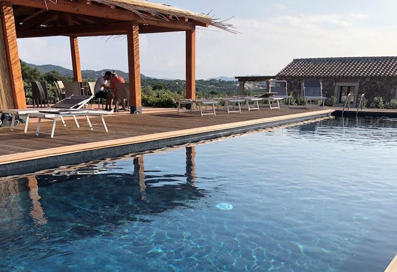 Villa Nicoletta, Santa Teresa di Gallura, Venkovní bazén