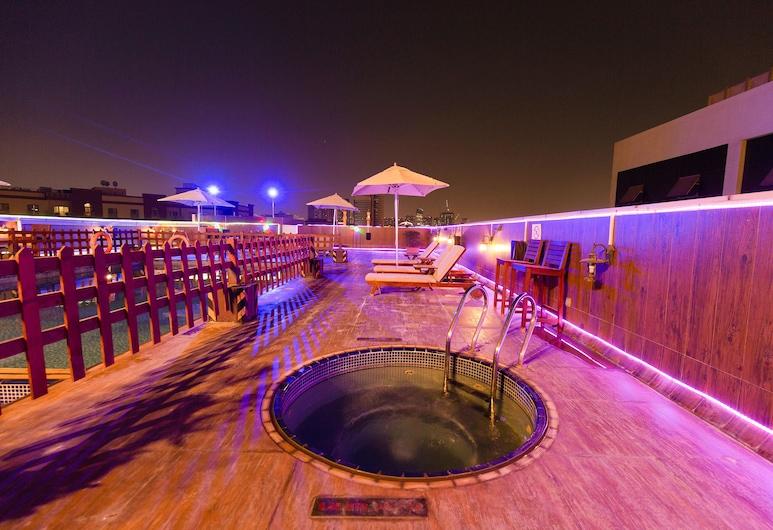 Smana Hotel Al Raffa, Dubajus, Baseinas