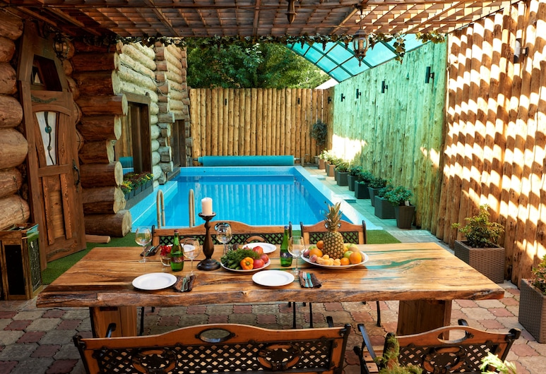 Hotel Tayozhny, Moscow, Indoor/Outdoor Pool