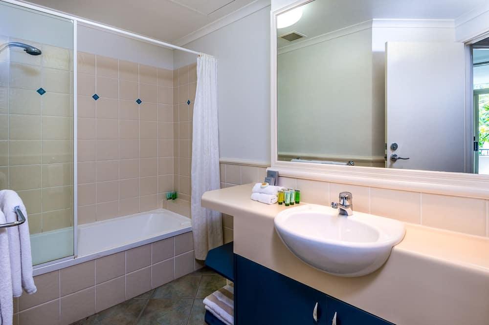 Executive-Apartment, 3Schlafzimmer, Küche, Gartenblick - Badezimmer