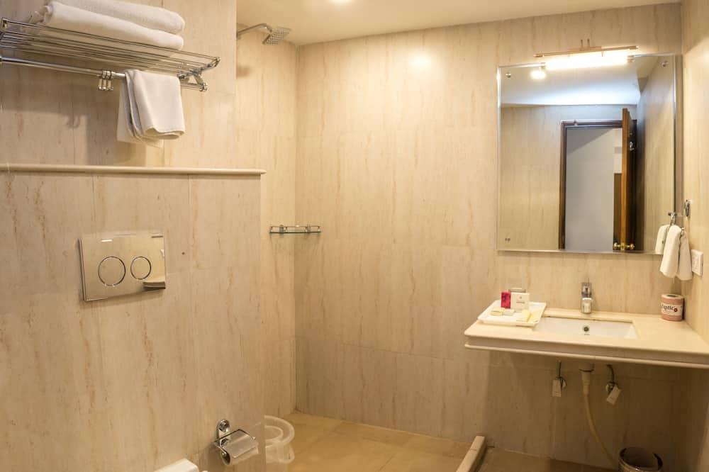 Superior Double Room, 1 King Bed, Non Smoking - Bathroom