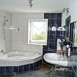 Apartment, 2 Bedrooms (PLUS cleaning fee 35 EUR) - Bathroom