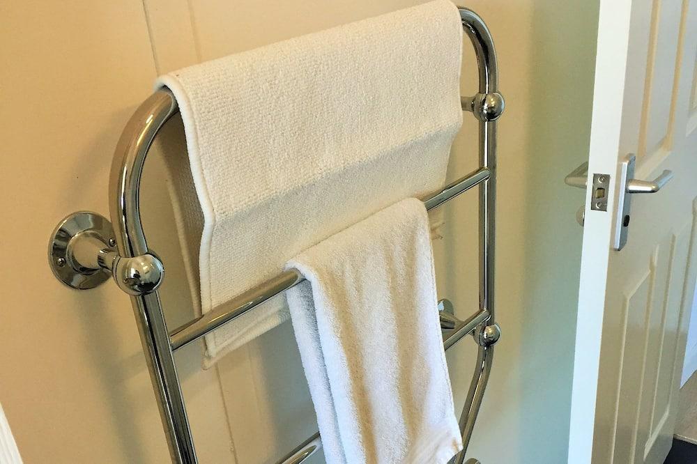 Apartment, 1 Bedroom (Hazel 1) - Bathroom