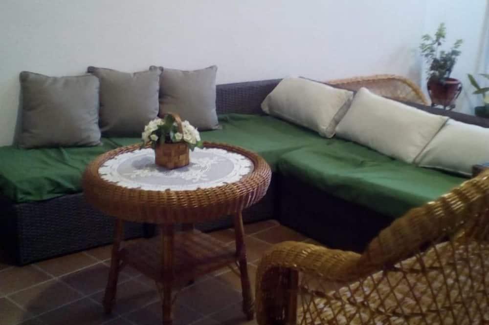 Domek, 4 ložnice, terasa - Obývací prostor