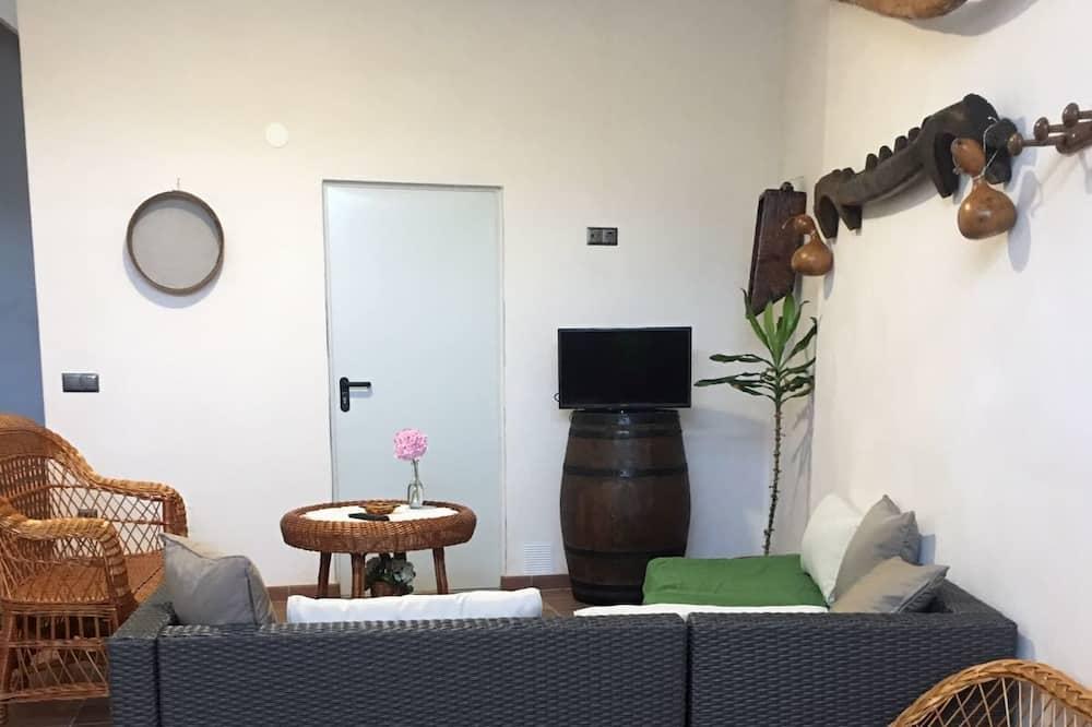 Domek, 4 ložnice, terasa - Obývací pokoj