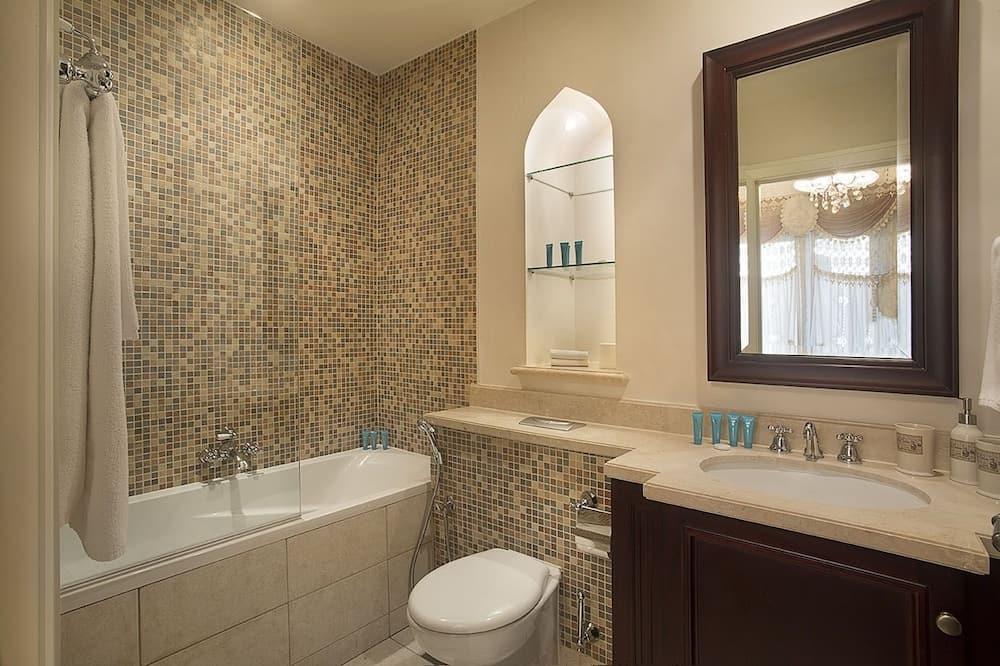 Apartemen, 2 kamar tidur, non-smoking, pemandangan kota - Kamar mandi