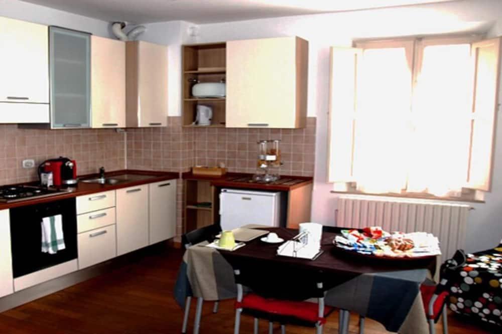 Κουζίνα στο δωμάτιο
