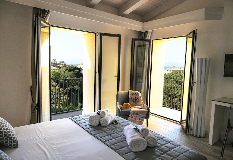 La Torre del Mulino Accomodation, Tropea, Chambre Double, 1 très grand lit, balcon, Chambre