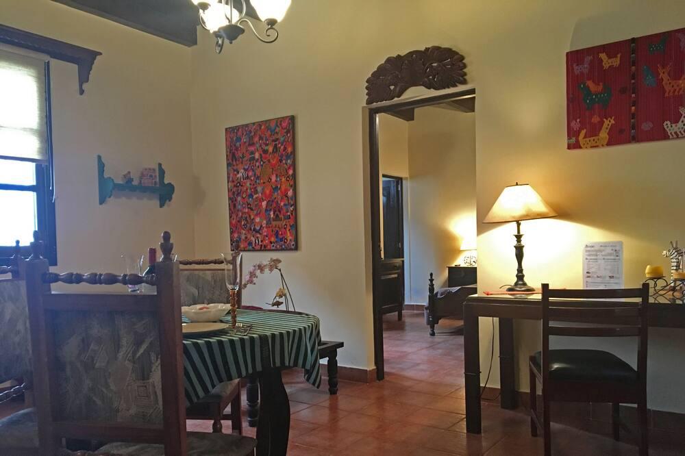 Kambarys, 1 standartinė dvigulė lova - Svetainės zona