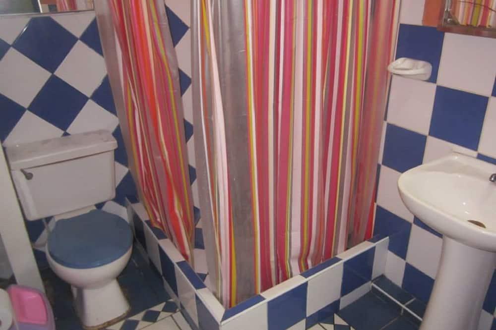 Kahden hengen huone, Oma kylpyhuone - Kylpyhuone