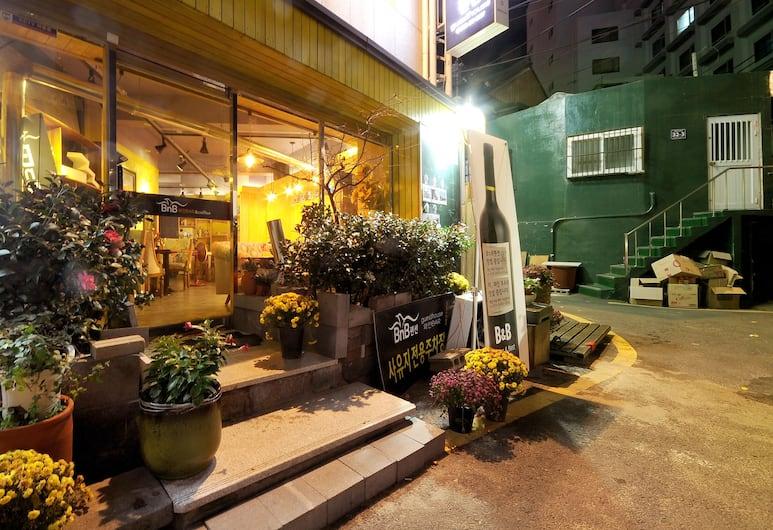 南浦家庭飯店民宿, 釜山, 飯店正面
