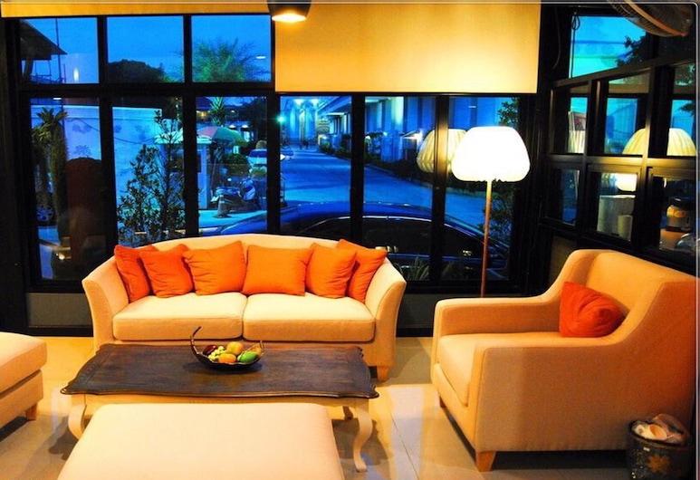 Uplus Uhome Hotel, Pattaya, Lobby Sitting Area
