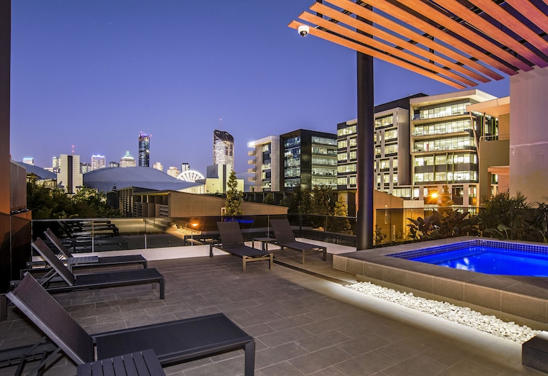 Arise Atlas, South Brisbane, Outdoor Pool