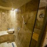 Quarto Duplo Exclusivo, 1 cama king-size - Casa de banho