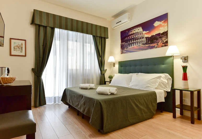多莫斯貝拉羅馬飯店, 羅馬