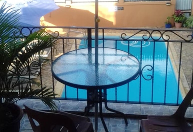 Apartment With 2 Bedrooms in Pointe aux Piments, With Wonderful sea View, Shared Pool, Terrace - 200 m From the Beach, Pointe Aux Piments, Piscina